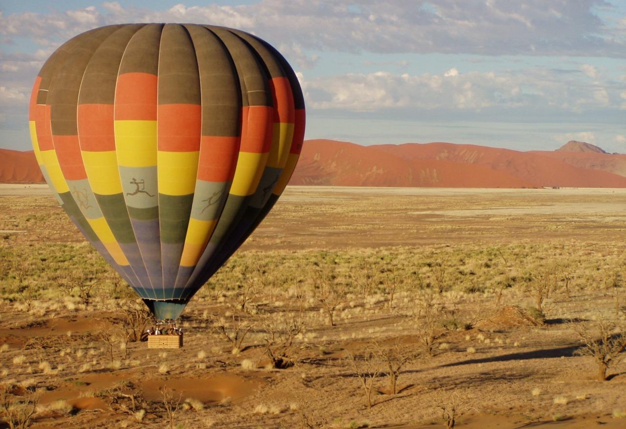 hot-air-balloon-49472